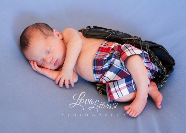 newborn baby boy sweet baseball little toes sierra vista az arizona newborn photographer photography pictures love letters photo photography-8305